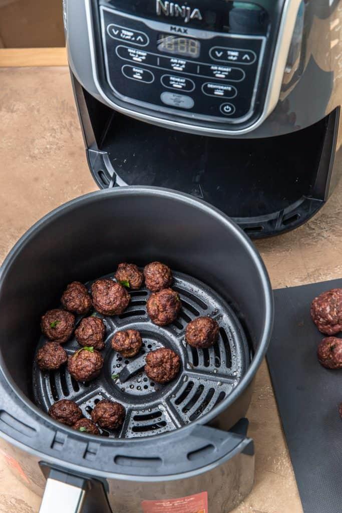 kofta meatballs in basket of air fryer