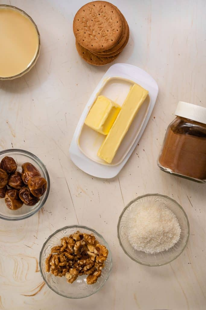 ingredients to make the date bars